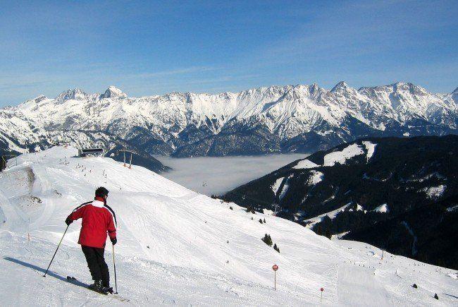 Im Skigebiet Damüls kam es zu zwei schweren Alpinunfällen.