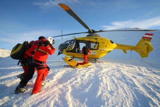 Mit Hubschraubers in das LKH geflogen