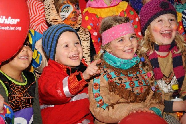 Begeisterung in Fußach für die Kinderzauberschau mit Zauberin Kerstin