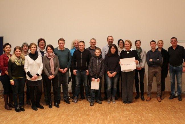 """Die Projektgruppe zum Audit """"familienfreundlichegemeinde"""" in Mäder"""