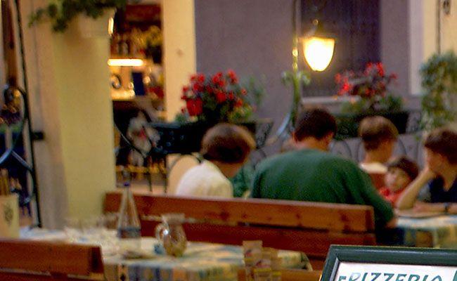 restaurant gibt rabatt wenn sich die kinder benehmen vol at. Black Bedroom Furniture Sets. Home Design Ideas