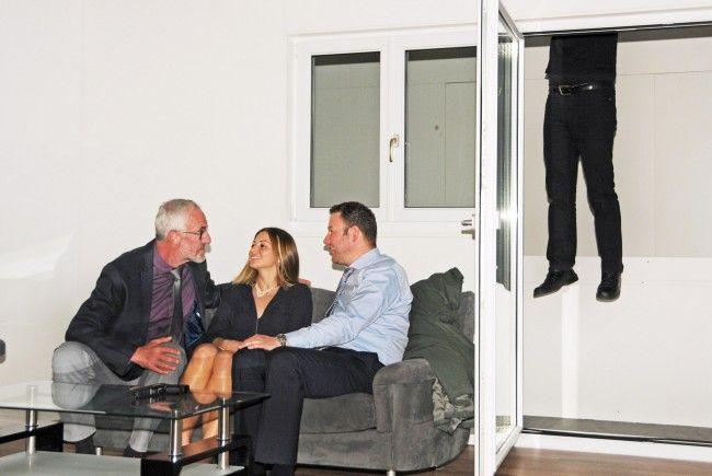 Wer kommt denn da von oben auf den Balkon?
