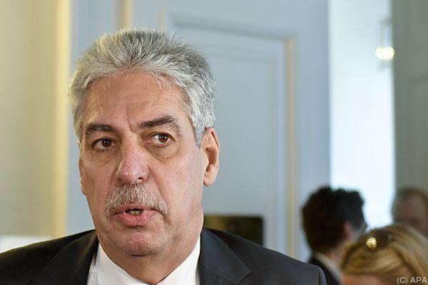 Finanzminister hofft auf Kompromiss bis Mai