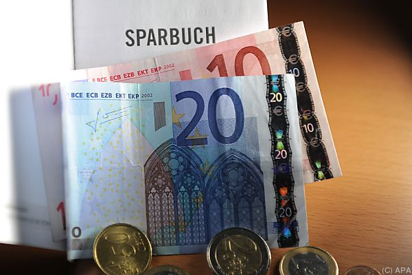 Österreicher lieben nach wie vor das Sparbuch