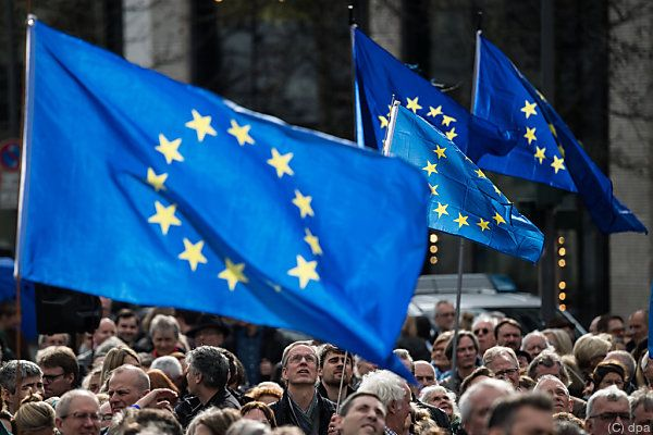 "Kundgebung von ""Pulse of Europe"" in Frankfurt"