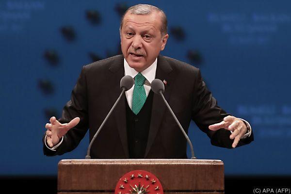 Erdogan wirft den Niederlanden Massaker in Srebrenica vor