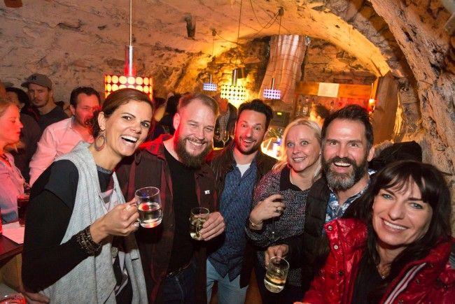 Die Besucherinnen und Besucher genossen gute Stimmung und seltene Einblicke in Rankweils alte Keller.