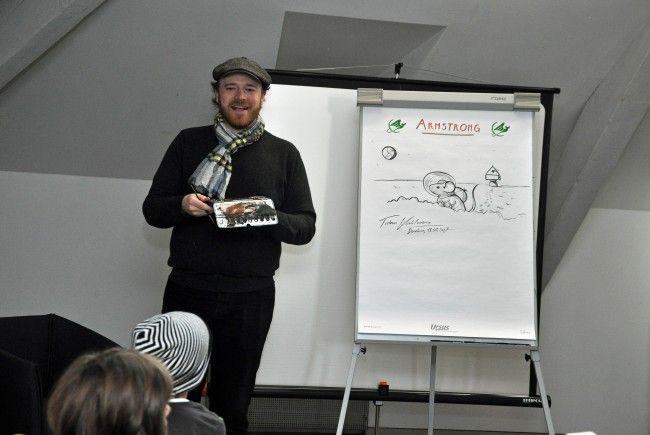 Der deutsche Autor las aus seinen Büchern vor und gab Einblick in die Arbeit eines Illustrators.