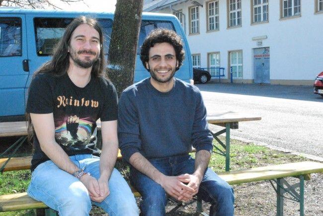 Sebastian Mischitz, Mahmoud Jeratle (vl) beim Jugendzentrum Vismut.
