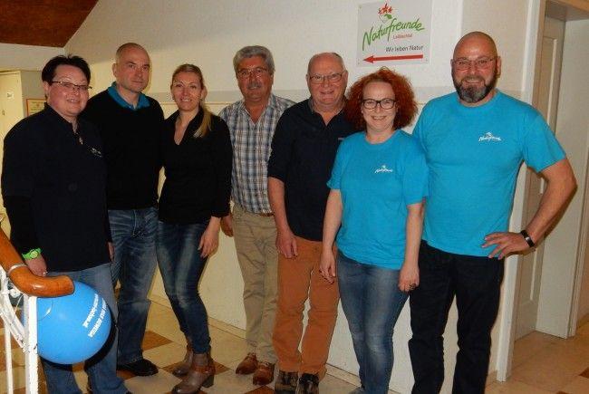 Neuer Vorstand: Foto: v.l.n.r.: Brigitte Sandmayr, Alexander Nadig, Susanne Nadig-Wegscheider, Josef Gorbach, Helmut Smolnik, Christine Woger-Kaufmann, Alexander Woger