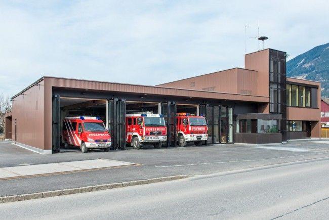 Die Feuerwehr konnte schwere Schäden am Motorrad nicht mehr verhindern.