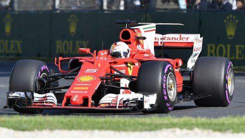 Rot schlägt Silber: Vettel siegt bei Saisonauftakt vor Hamilton
