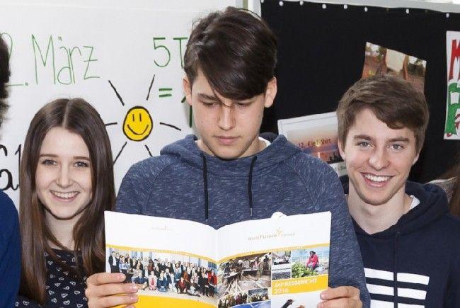 Vom Fair Trade Stand zum World Future Forum: die Schülerinnen und Schüler der Handelsakademie Bregenz.