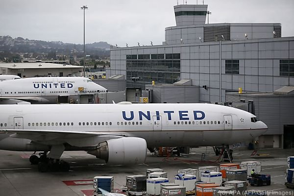 United Airlines: Passagier bereitet Boden für Klagen