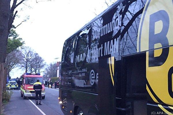 Der beschädigte Bus nach dem Anschlag