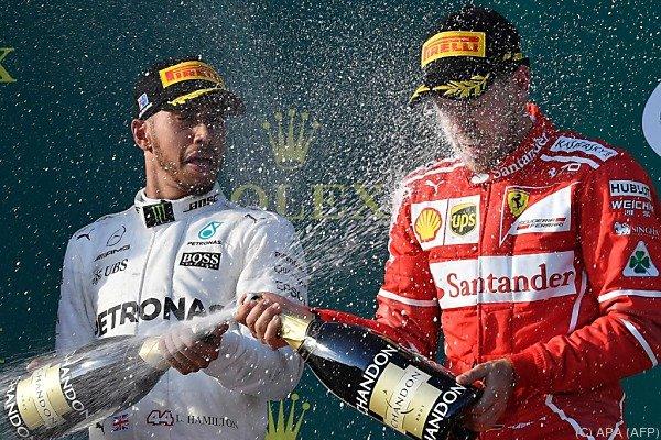 Hamilton in Shanghai vor Vettel und Verstappen