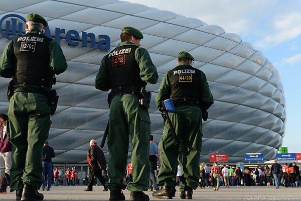 Münchner Polizei prüft Sicherheitskonzept für Bayern-Spiel