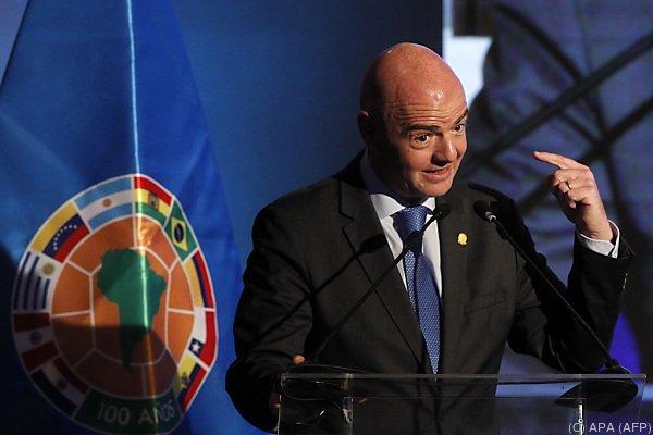 Fußball - FIFA-Präsident Infantino: Videobeweis kommt bei WM 2018 zum Einsatz