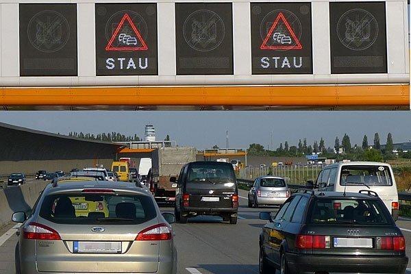 Vor allem an den Grenzen ist am Ostermontag mit Verzögerungen zu rechnen.
