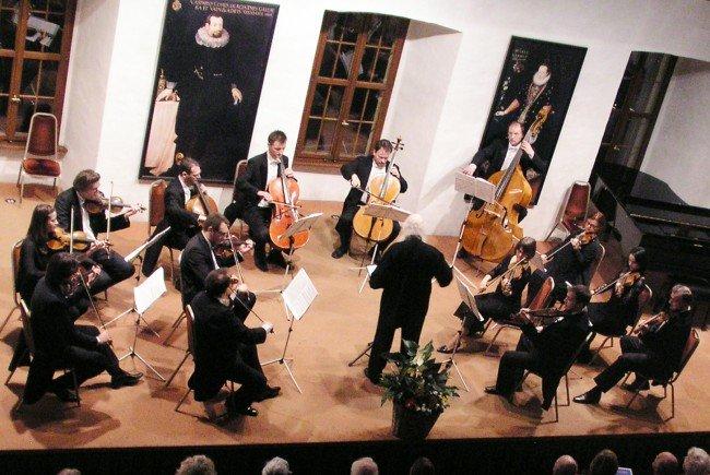 """Das Konzert unter dem Motto """"Strahlender Sonnenschein"""" dirigierte Werner Bärtschi."""