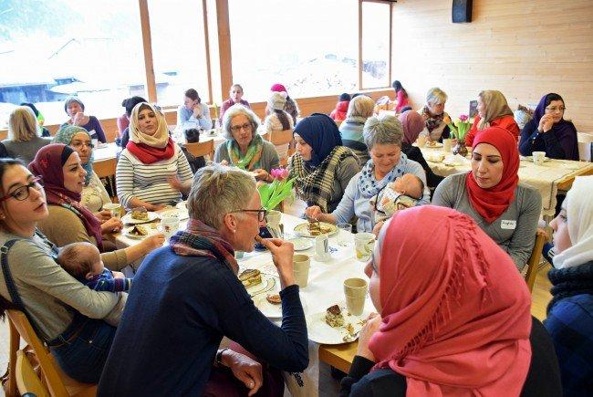 Das Kennenlernen, der Austausch und die Begegnungen von Frauen und Kindern unterschiedlicher Kulturen stehen im Mittelpunkt der gemeindeübergreifenden Initiative.