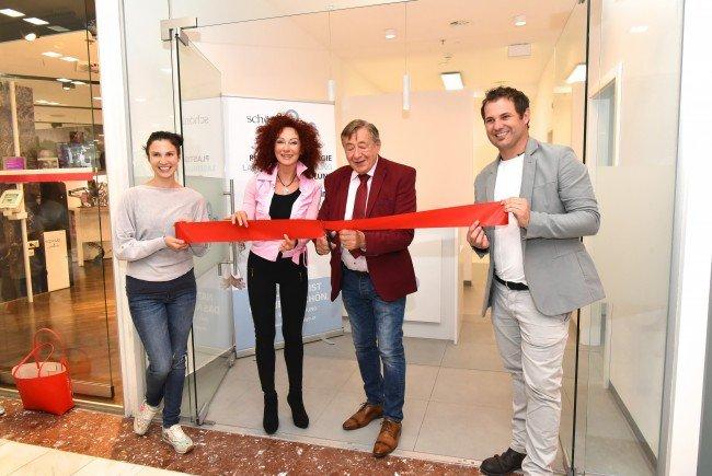 Bei der Eröffnung der zweiten schönheit2go-Filiale in der Lugner City
