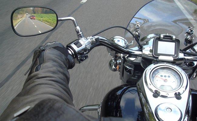 Auch Motorradfahrer müssen bei Ausfahrten eine Pflichtausstattung mitführen.
