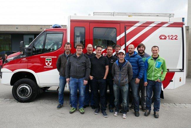 Die Verantwortlichen der Ortsfeuerwehr Fraxern mit Kommandant Bernd Nachbaur (5. v.li.) und der Gemeinde mit Bürgermeister Steve Mayr (4. v.li.)