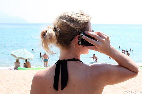 Mobiltelefonie im Urlaub wird für die meisten günstiger