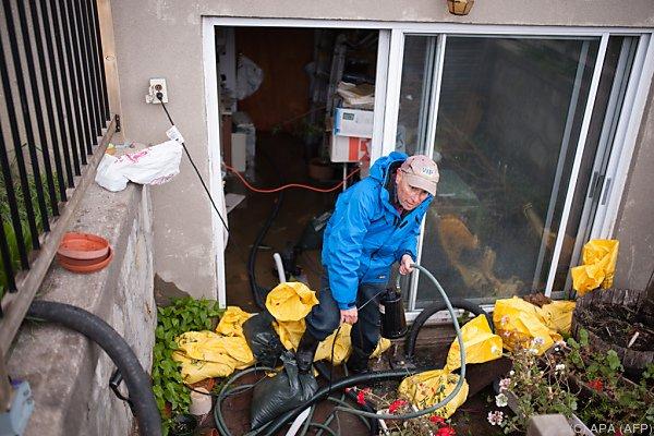 Überschwemmungen in Kanada - ein Toter