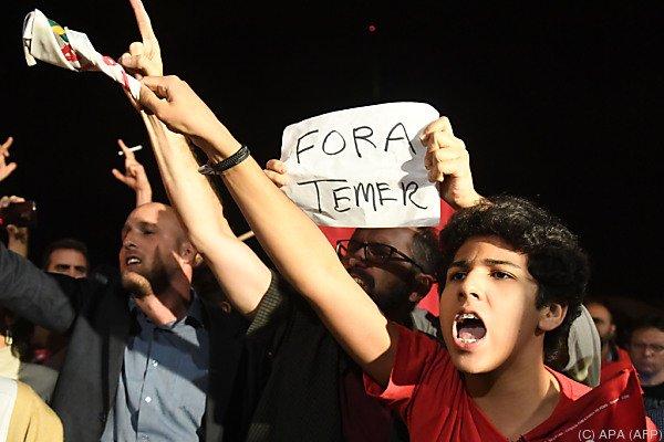 Demonstranten forderten Temers Rücktritt