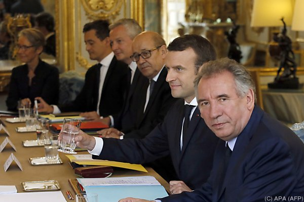 Macron mit seinem Regierungsteam