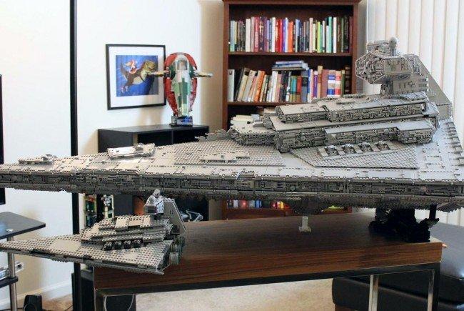 """32 Kilo schwer und 1,40 Meter lang ist der imperiale Sternenzerstörer """"Tyrant"""" von imgur.com-Nutzer """"doomhandle""""."""
