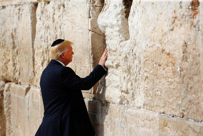 Kritik in Israel Historiker rügt Trumps Eintrag in Yad Vashem-Gästebuch