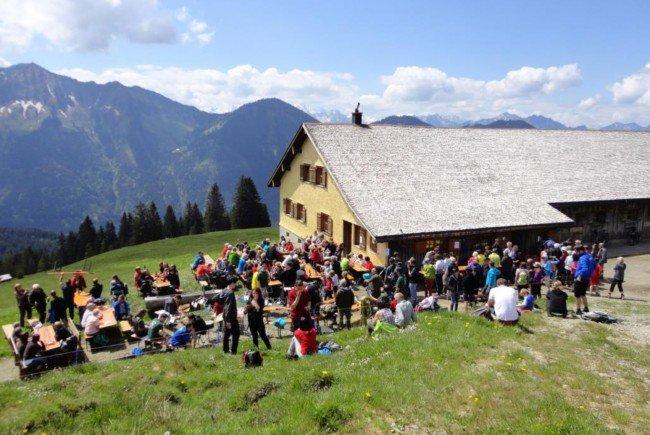 """Bergmesse """"Alpe Tschuggen"""" am Sonntag, 21. Mai um 11 Uhr."""