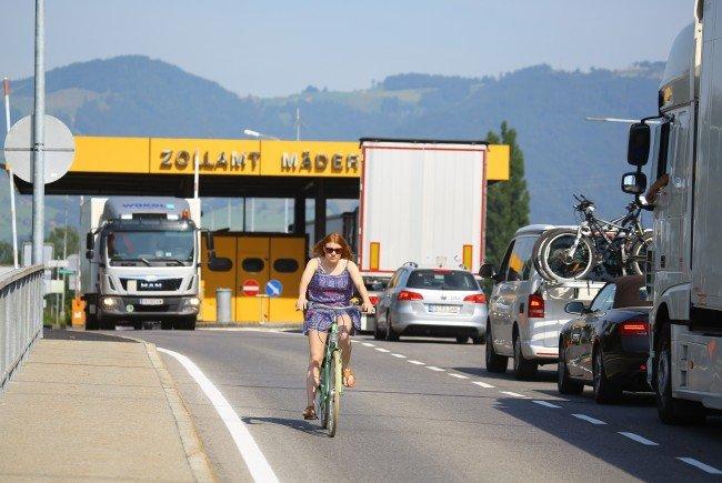 In Mäder steht die Sanierung der Grenzbrücke an: Im Sommer 2019 ist eine Vollsperre notwendig.