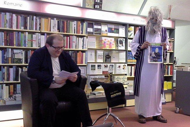 Botschafter des Handtuchtages (Philipp Horatschek) und Prophet Zarquon (Wolfgang Rainer)