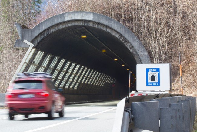 Tunnel wird wegen Arbeiten gesperrt.