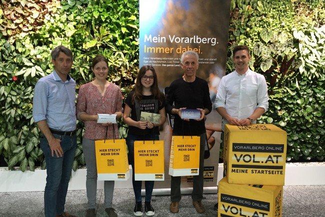 """""""Orange Days"""" der Caritas: Einkaufs-Gutscheine den Gewinnern übergeben"""