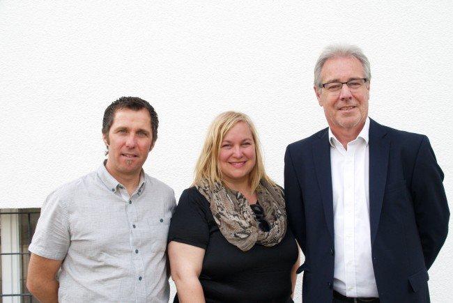 Thomas Lampert (GF Sunnahof), Architektin Sonja Entner und Bürgermeister Helmut Lampert bei der Eröffnungsfeier.