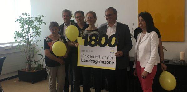 "Bürgerinitiative ""Lebensraum Weiler"" hat Petition an Harald Sonderegger übergeben"