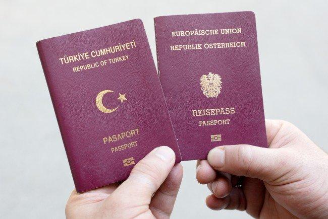 Illegale Doppelstaatsbürgerschaften sind der FPÖ ein Dorn im Auge
