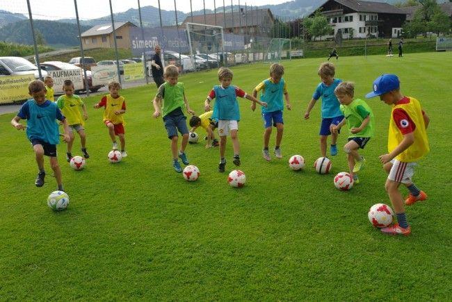 Beim REMAX-Fußballcamp kommen die Kinder voll auf ihre Kosten.