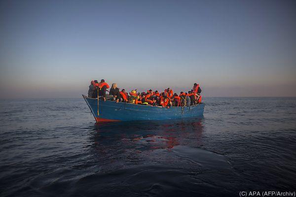 Mehr als 2.500 Menschen aus Seenot gerettet