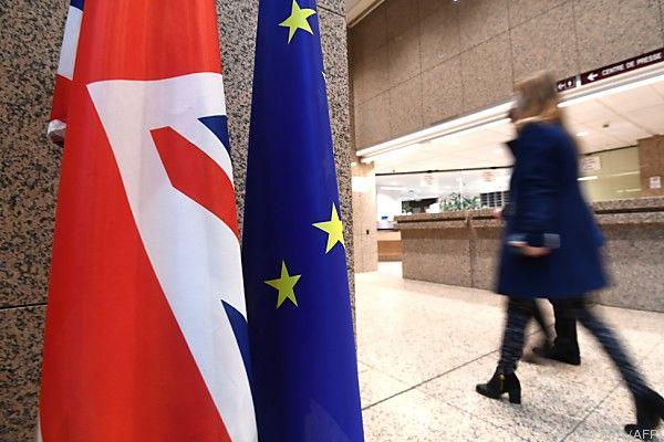 Oettinger will EU-Gelder an Erfüllung von Wirtschaftsempfehlungen knüpfen