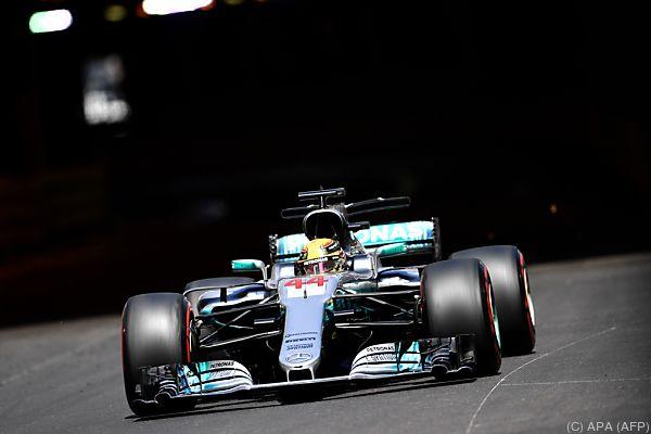 Mercedes macht sich auf