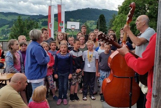Für musikalische Unterhaltung beim Tag der offenen Tür sorgen auch dieses Jahr wieder die Kinder aus Chatovna höchstpersönlich.