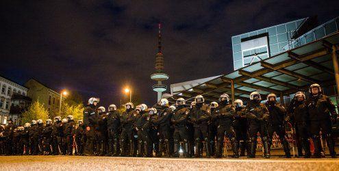 Bier, Shisha und Sex: Berliner Polizisten machen Party bei G20-Gipfel in Hamburg