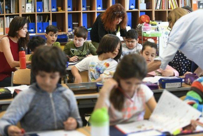 Die Vorarlberger Landesregierung begrüßt die Einigung bei der Schulreform.