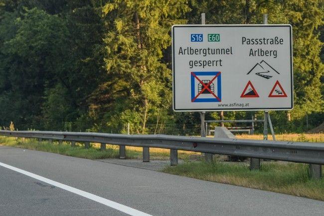 ASFINAG und Behörden empfehlen: Reiseinformation vor Fahrtantritt prüfen und ausreichend Zeit einplanen.
